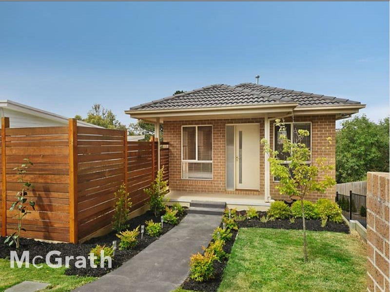 1/2 Carrol Grove, Mount Waverley