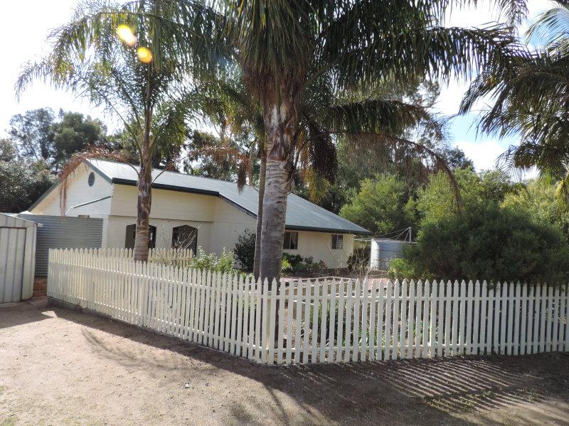 16 Tooma Drive, Riverglades, SA 5253