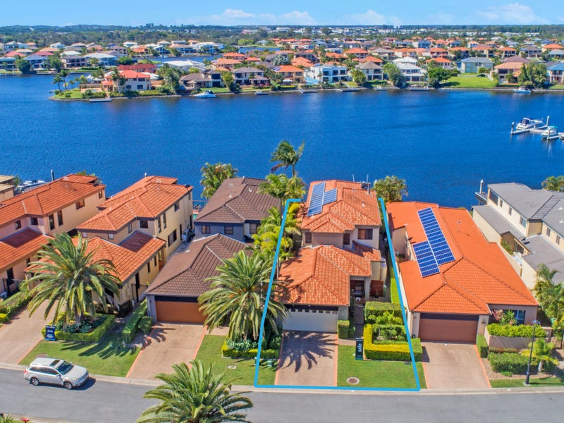 523 Oyster Cove Promenade, Helensvale