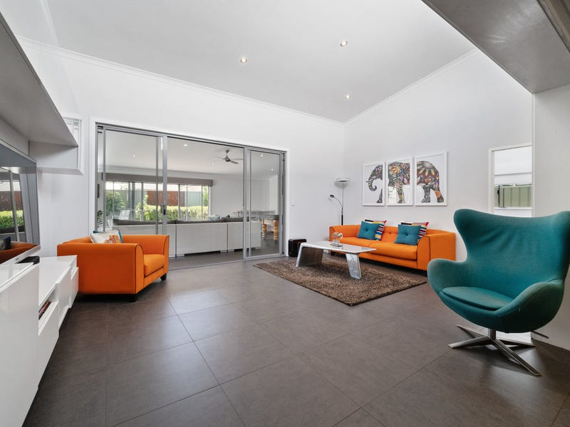 4 Padbury Court, Eden Hill, WA 6054