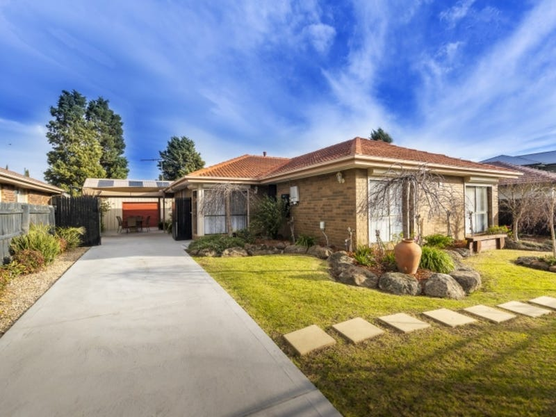 5 Dressage Place, Epping