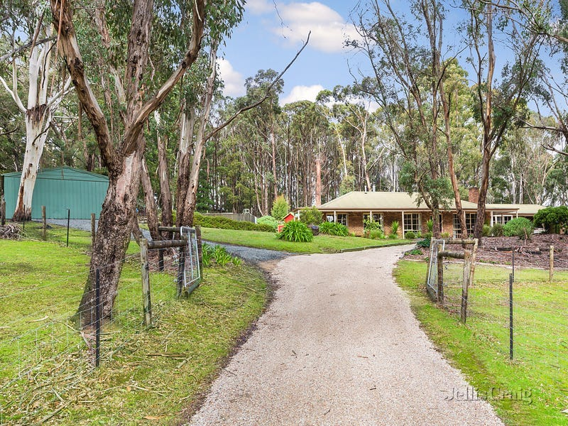 69 Strathclyde Crescent, Woodend, Vic 3442