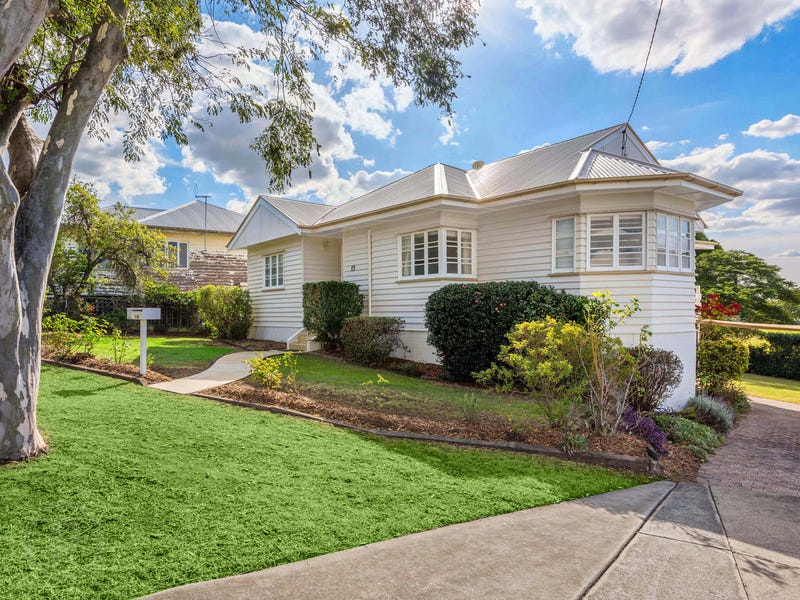 19 Bowd Parade, Wavell Heights, Qld 4012