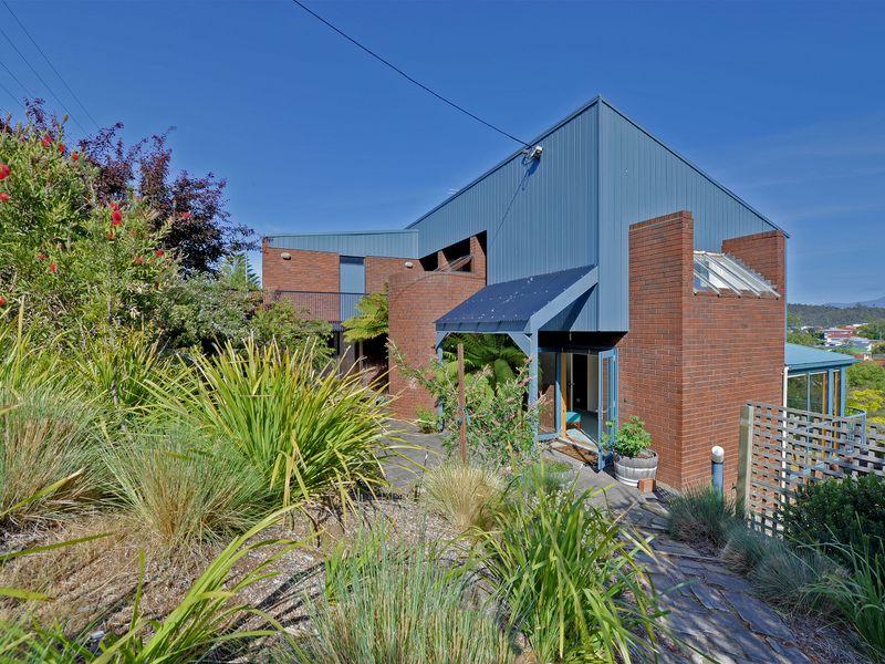 23 Begonia Street Lindisfarne Tas 7015 Property Details
