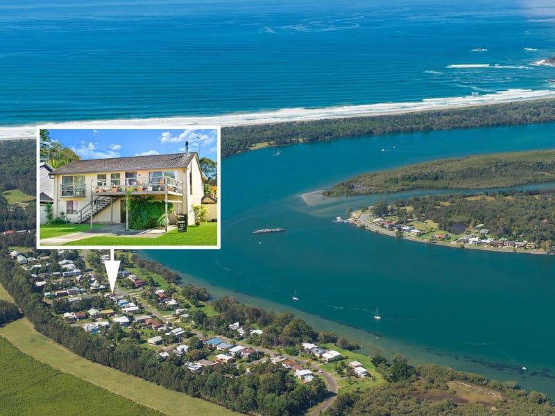 25 shoreline drive port macquarie nsw 2444 property. Black Bedroom Furniture Sets. Home Design Ideas