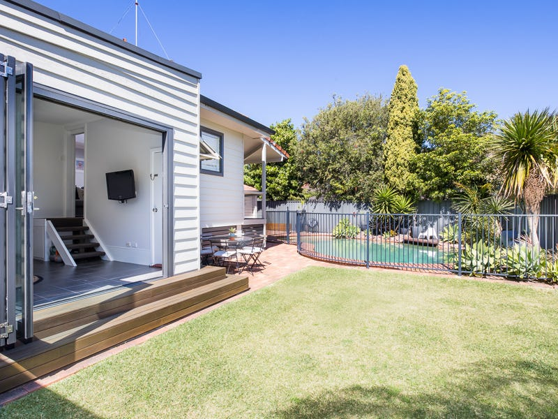 25 Gillham Avenue, Caringbah South