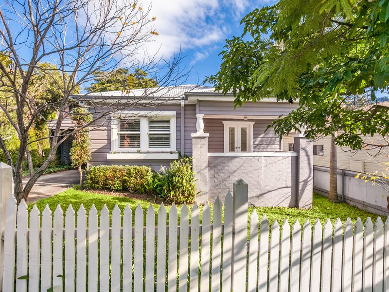 12 Fisher Street, West Wollongong