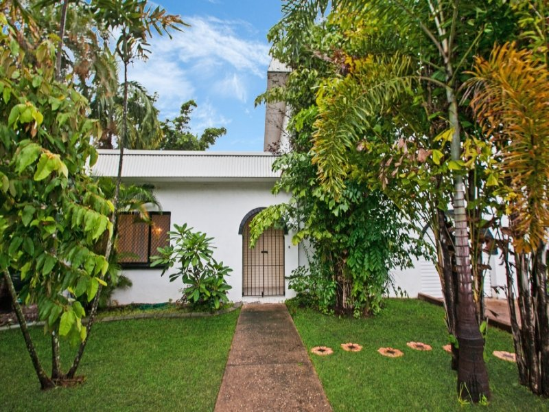 122 Dickward Drive, Coconut Grove