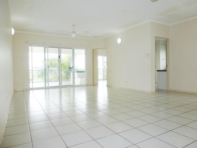 8/140 Smith Street, Darwin City