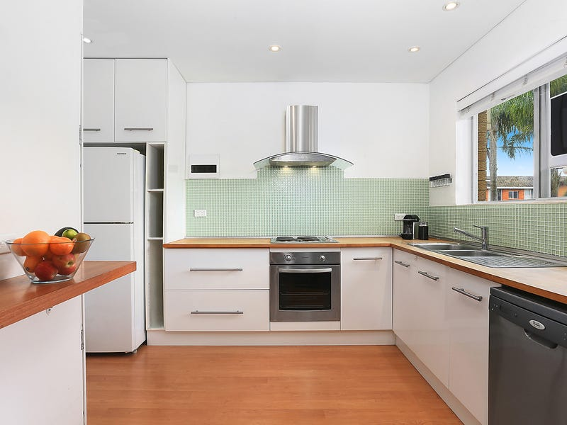 16/82 Pacific Parade, Dee Why