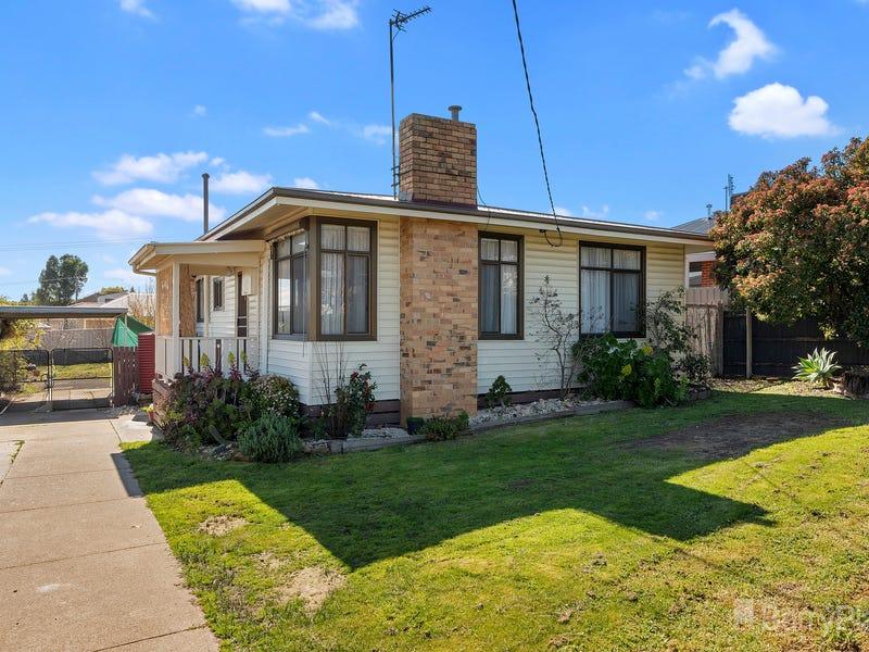 11 Douglas Street, Kangaroo Flat, Vic 3555