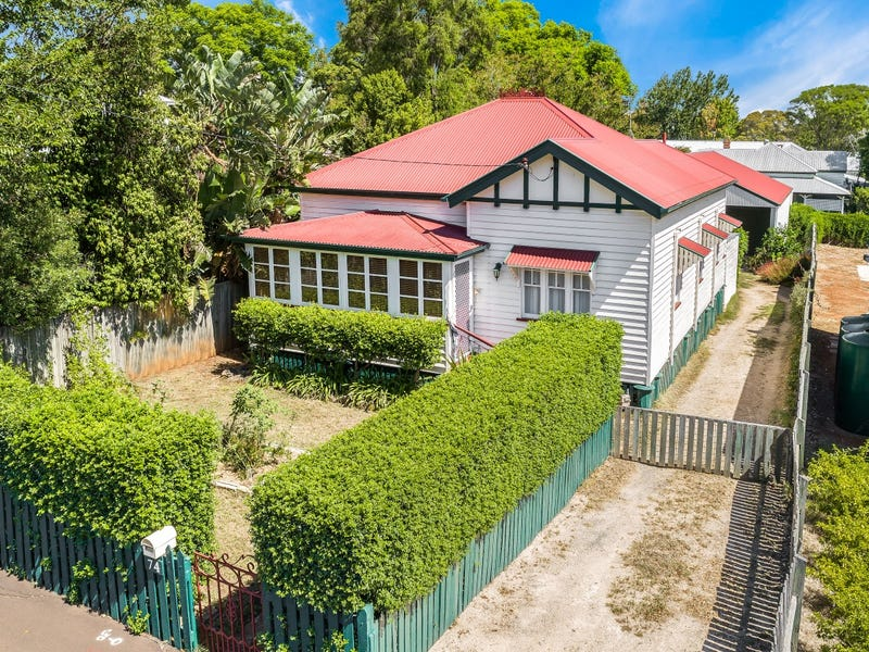 74 Bridge Street, East Toowoomba, Qld 4350