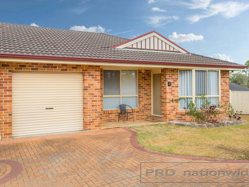 4/15 Proserpine Close, Ashtonfield