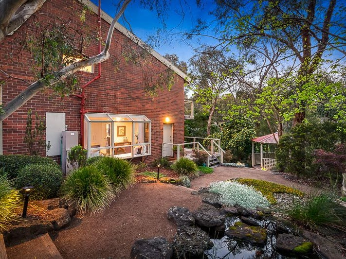 31 marlow place  eltham  vic 3095
