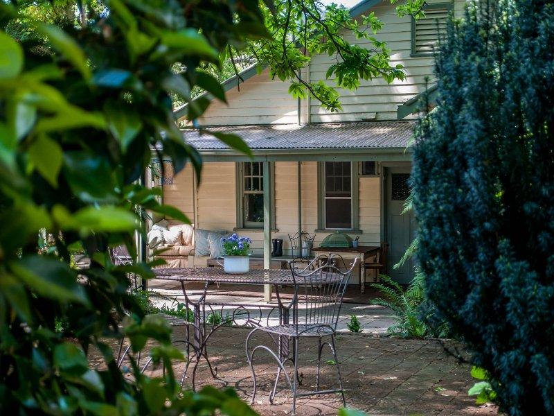 3 Grandview Grove Sassafras Vic 3787 Property Details