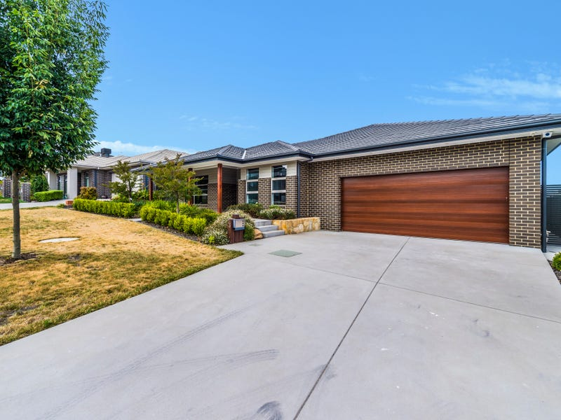 33 Baker Crescent, Googong, NSW 2620