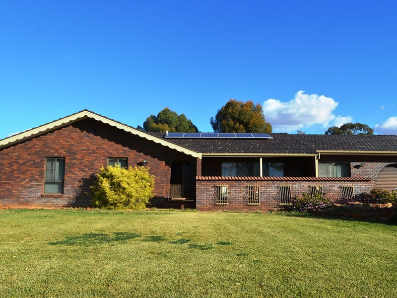 27 Chelmsford Ave, Gilgandra, NSW 2827