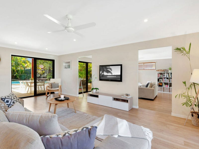 14 Redleaf Court, Burleigh Waters, Qld 4220
