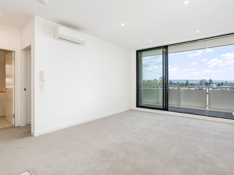 501/101A Lord Sheffield Circuit, Penrith, NSW 2750