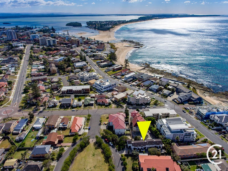 2/2 The Crescent, Blue Bay