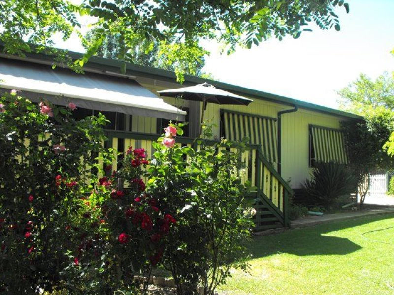 19 Young Street, Wallendbeen, NSW 2588