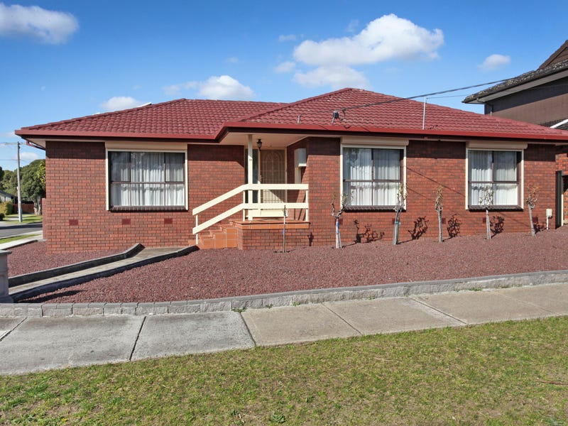 14 Snaefell Crescent, Gladstone Park