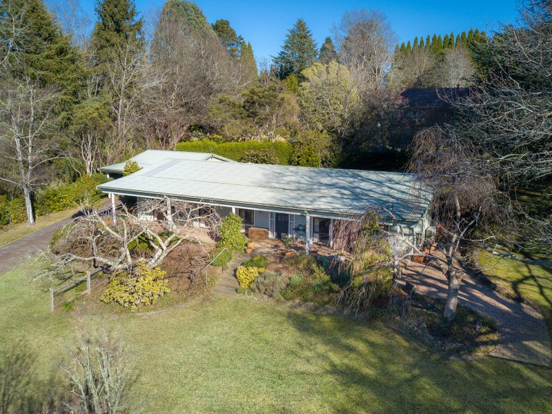 10 McLaughlin Avenue, Wentworth Falls, NSW 2782