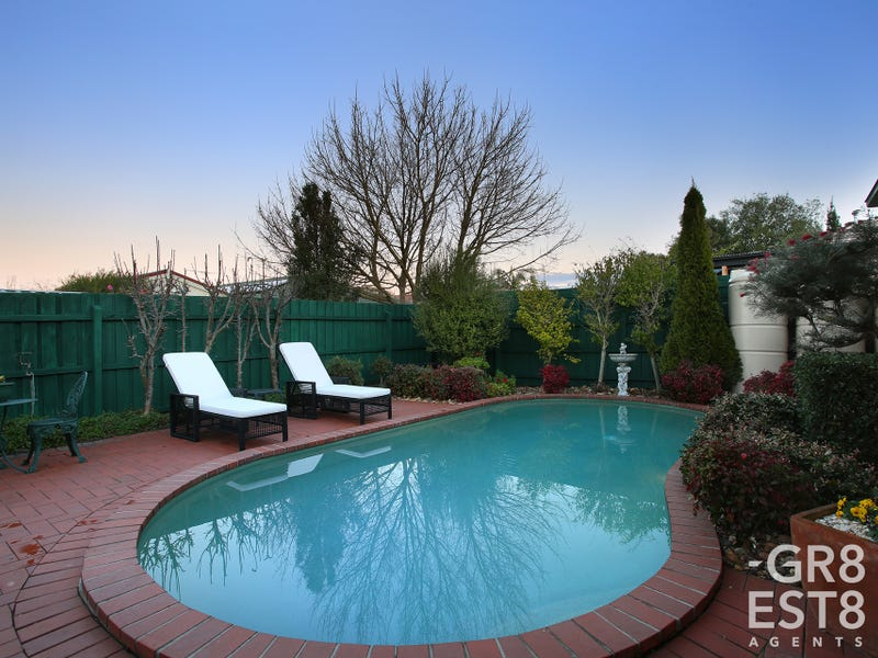 4 Robinia Court, Narre Warren South