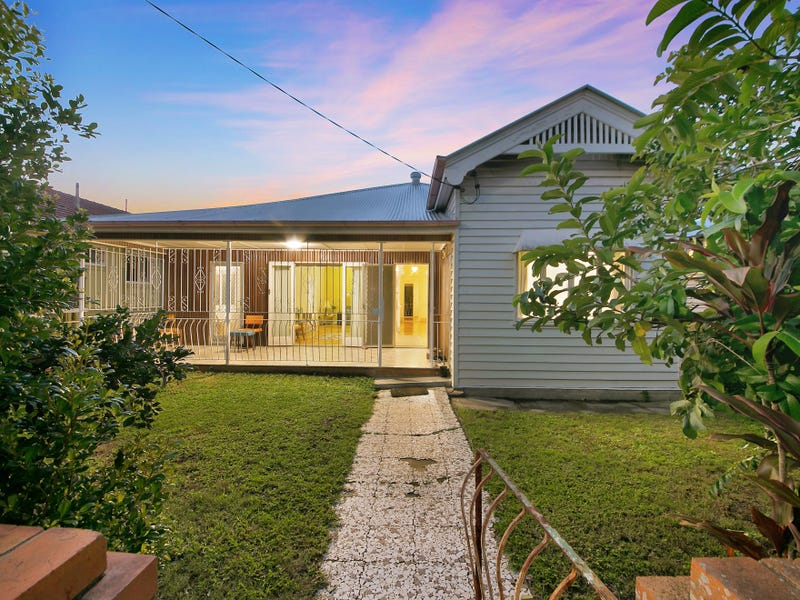 17 Ampthill Street, Highgate Hill, Qld 4101