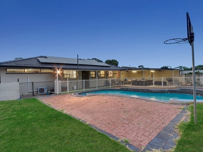 8 Armbuster Street, Hope Valley