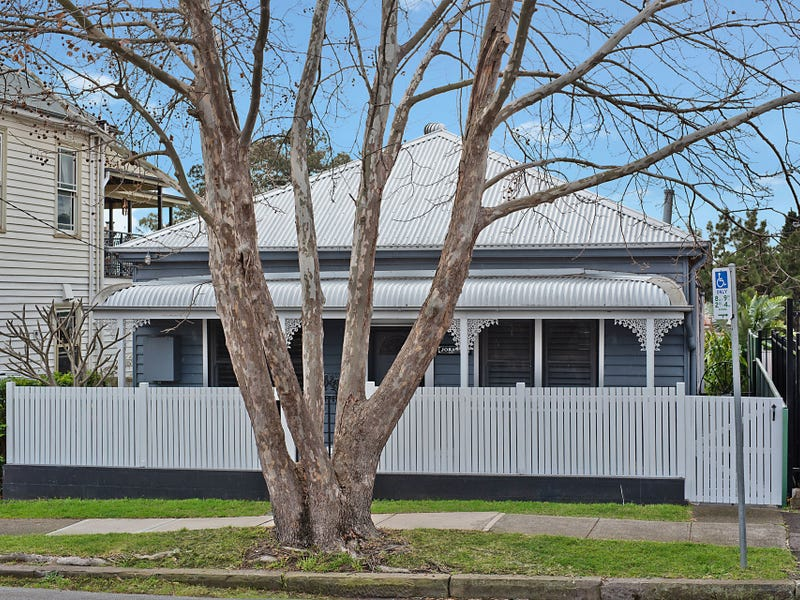 2 Dixon Street, Hamilton, NSW 2303