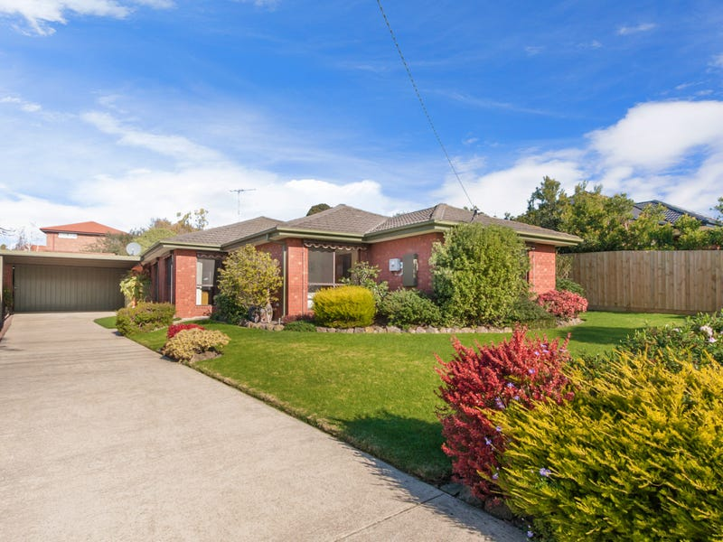 10 Irving Road, Pakenham