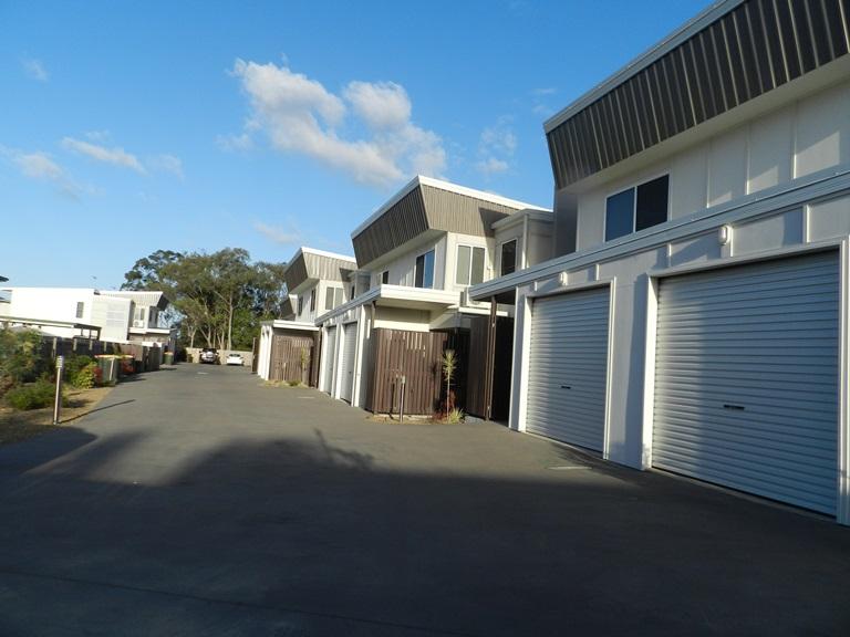 2/9 Cockatoo Drive, New Auckland