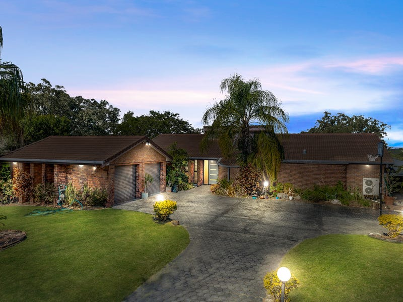 31 Branch Creek Road, Clear Mountain, Qld 4500