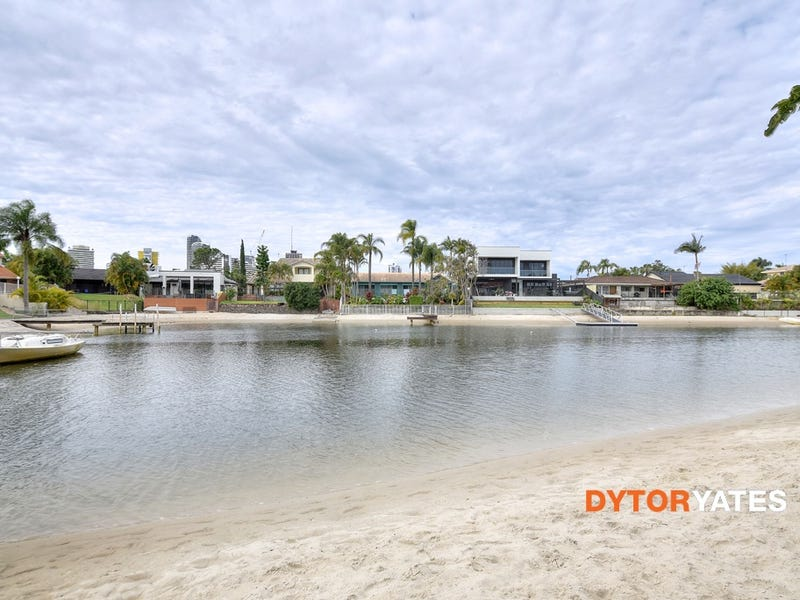 84 Clear Island Rd, Broadbeach Waters