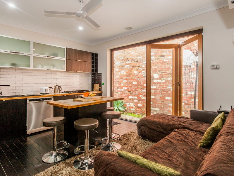 2/1267 North Road, Oakleigh