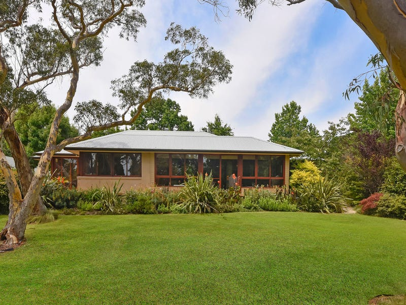 51  Toulon Ave, Wentworth Falls