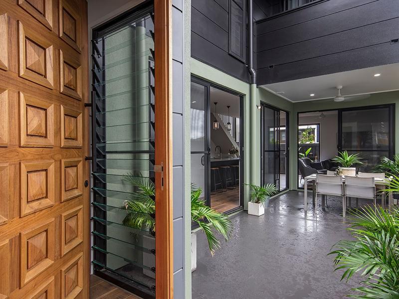 21 Round Bush Crescent Maroochydore & 21 Round Bush Crescent Maroochydore Qld 4558 - House for Sale ...