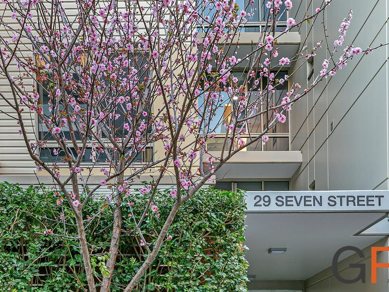 29 Seven Street, Epping