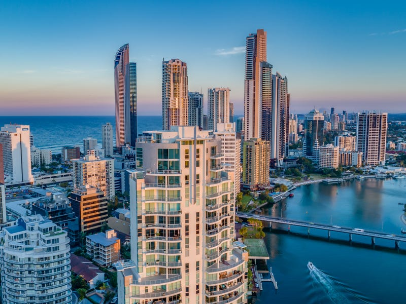 40 Riverview Parade, Surfers Paradise