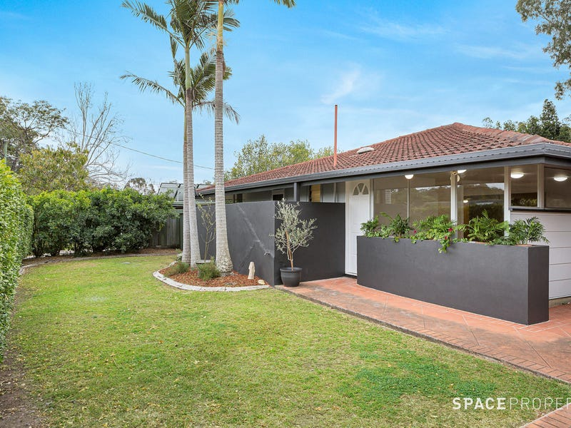 25 Cromarty Street, Kenmore, Qld 4069