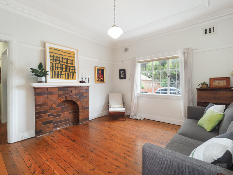 2/70 Ewart Street, Marrickville, NSW 2204