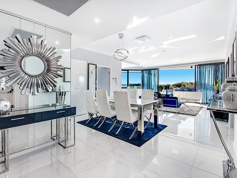 5 Harbour Side Court, Biggera Waters