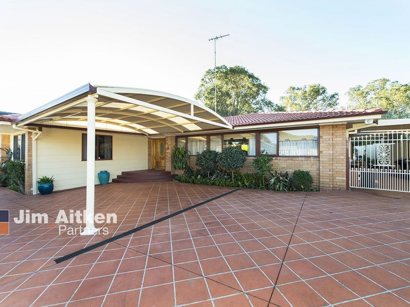 8 Chipping Place, South Penrith