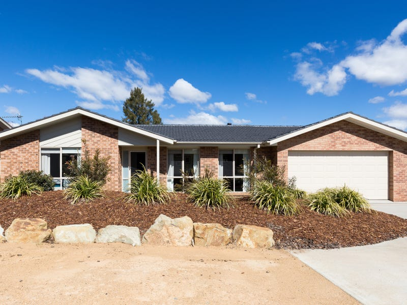 61 Clare Dennis Avenue, Gordon, ACT 2906