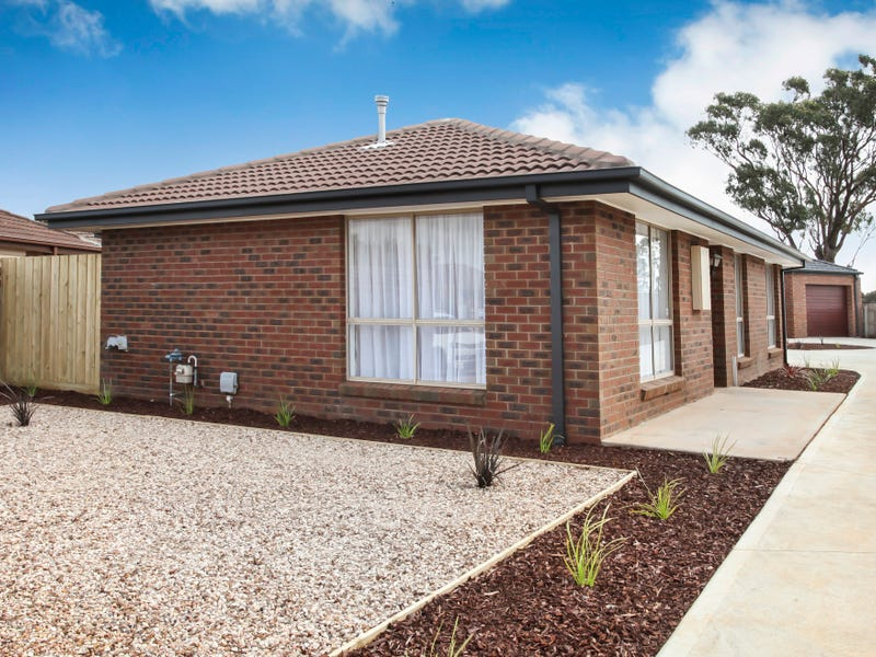 1/8 Coventry Place, Melton South, Vic 3338