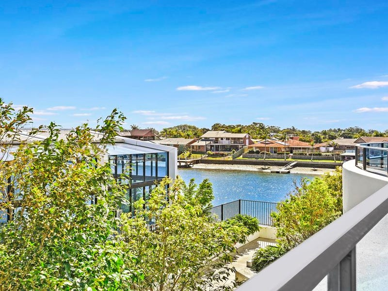 1109/5 Harbour Side Court, Biggera Waters