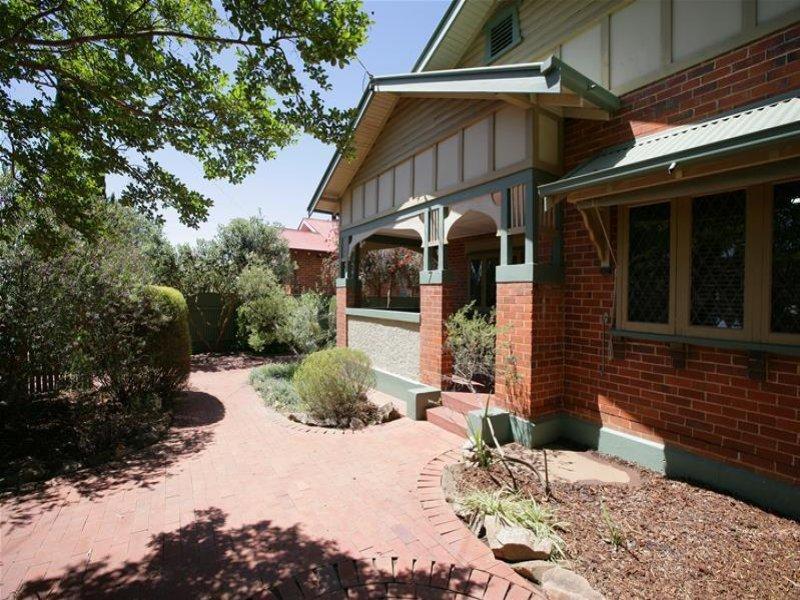 7 Inverary Street Wagga Wagga Nsw 2650 Property Details