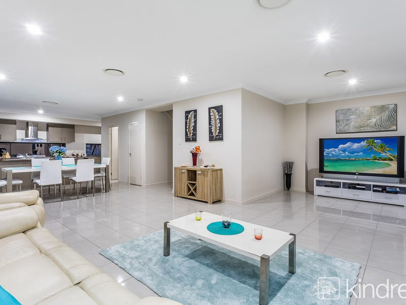 13-15 Miers Crescent, Murrumba Downs