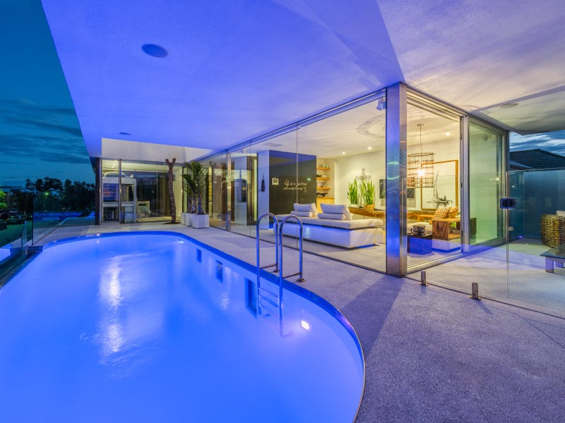 2 Mewstone Crescent, North Coogee